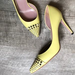 Gucci Yellow Studded D'Orsay Pumps. EUC